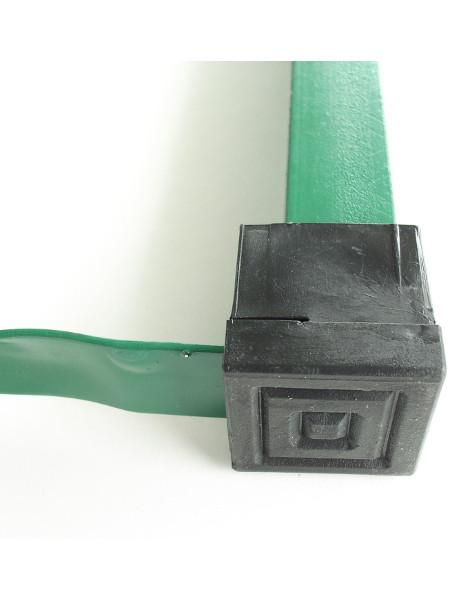 Eckiger Bodenschoner für Bierzeltgarnituren mit 90° winkeligen Standfuß - hier Unterseite
