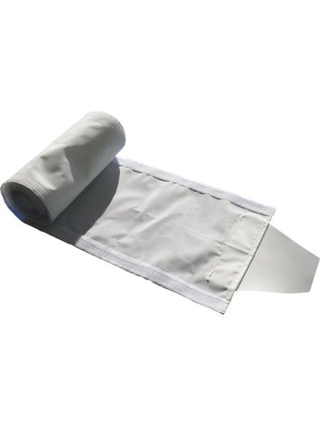 Regenrinne für Klappzelt KING, erhältlich in 3m, 4,5m und 6 m Länge. Nur nutzbar, wenn mnindestens 2 Zelte nebeneinander stehen. Wird anstelle der Seitenteile eingeklettet.