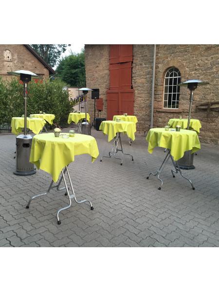 Stabiler Klappstehtisch SK83 im Partyeinsatz! Standfest und mit Fußauftritt. Ideal für jeden Gast! Made by KAISER Metall & Idee