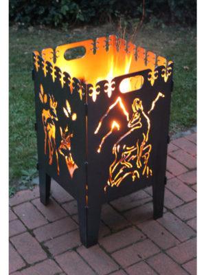 Feuerkorb mit Feuer. Motive Rehbock und Gams